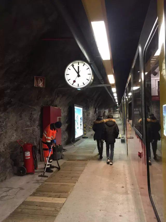 维京游轮游记瑞士少女峰火车站